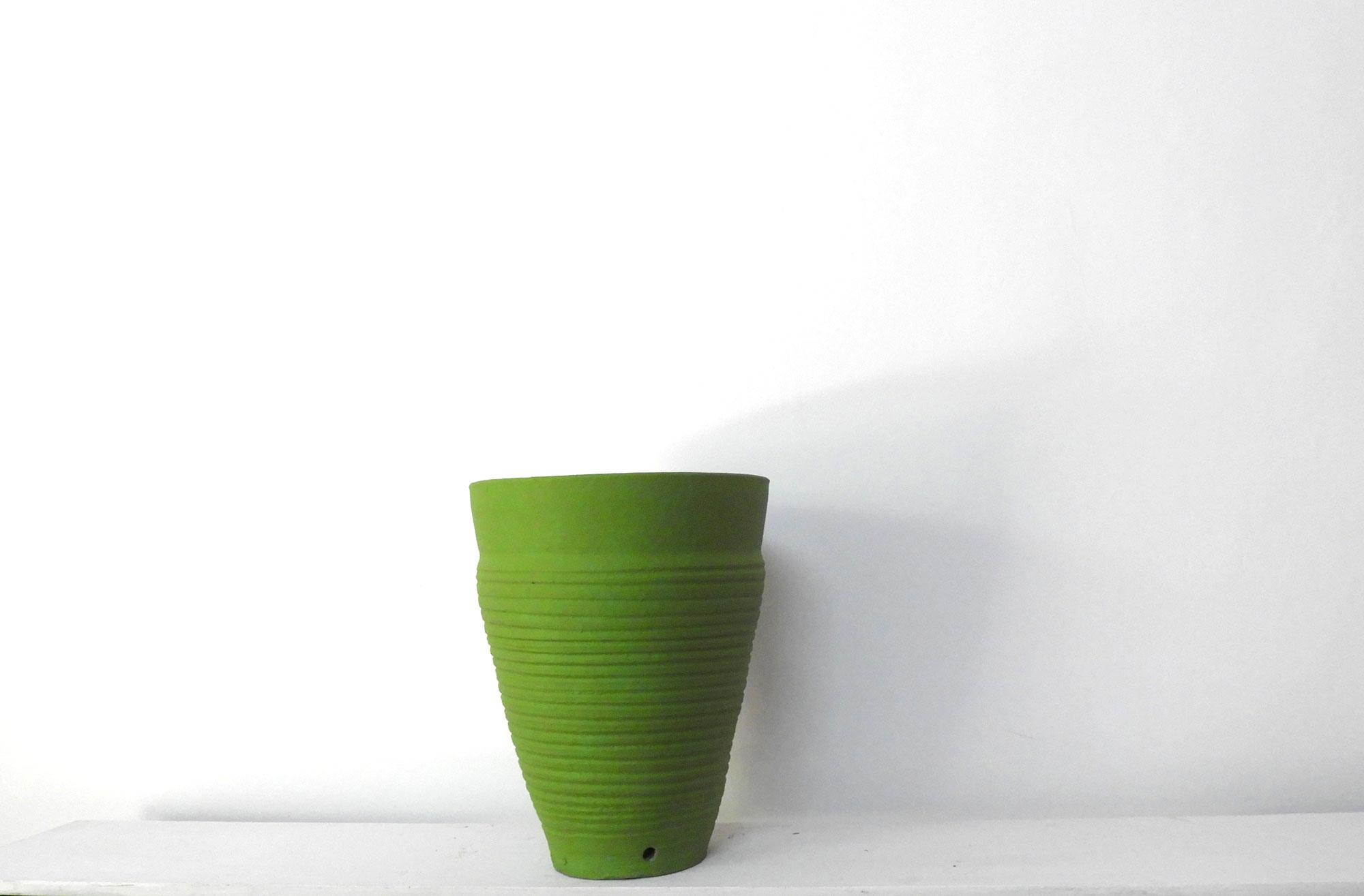 Pot Curved Cone Ridged (L)
