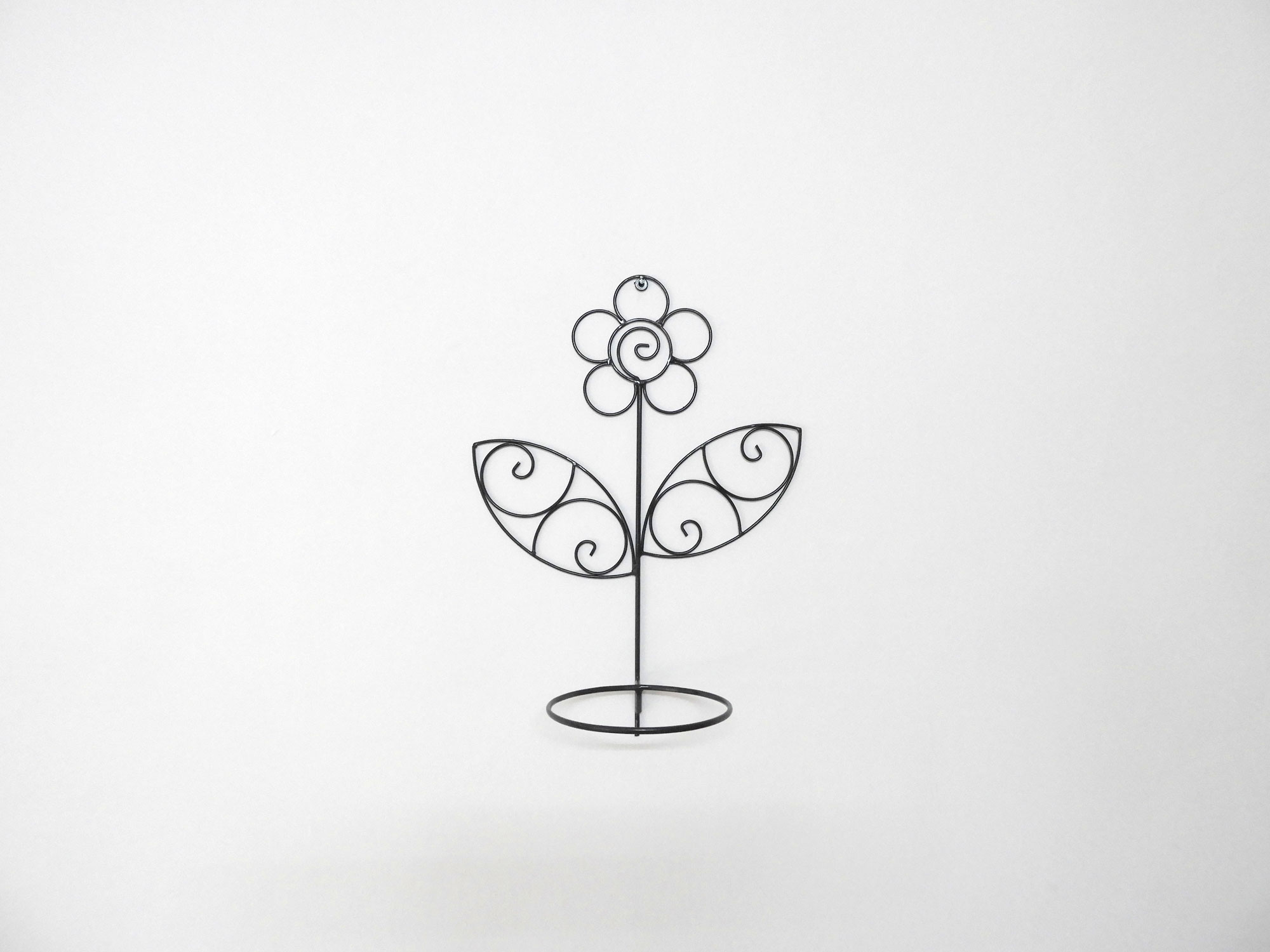Wrought_Iron_Wall_Bracket_Flower