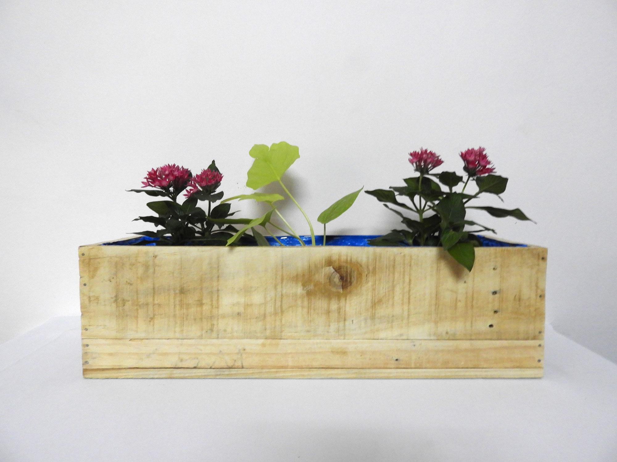WoodRailingPlanter(M)