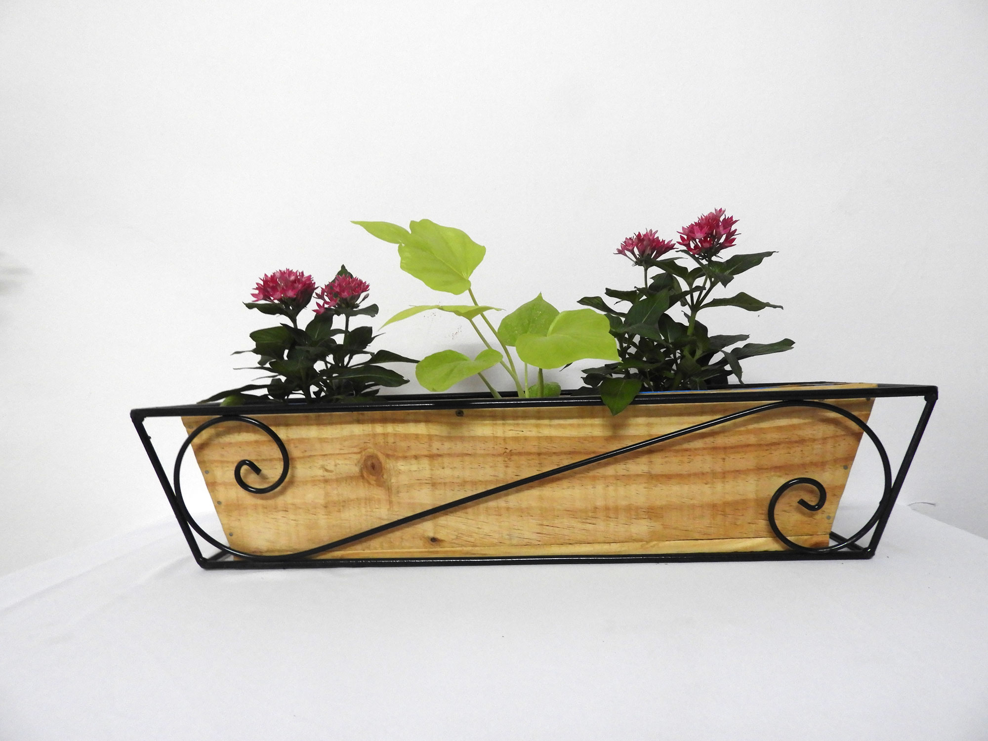 WroughtIron_RailingPlanter_Big_S_wood_Pattern